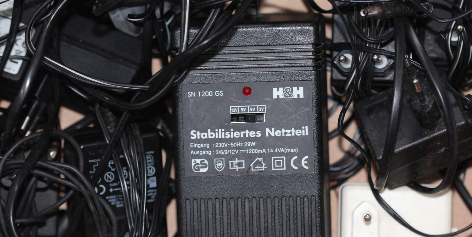 Netzgerät 220V /> 5V 1,3A /_ zB für Leds Netzteil 5 Volt