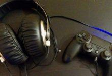 Bild von Kopfhörer am PlayStation 4-Controller anschließen und Spiele-Sound hören