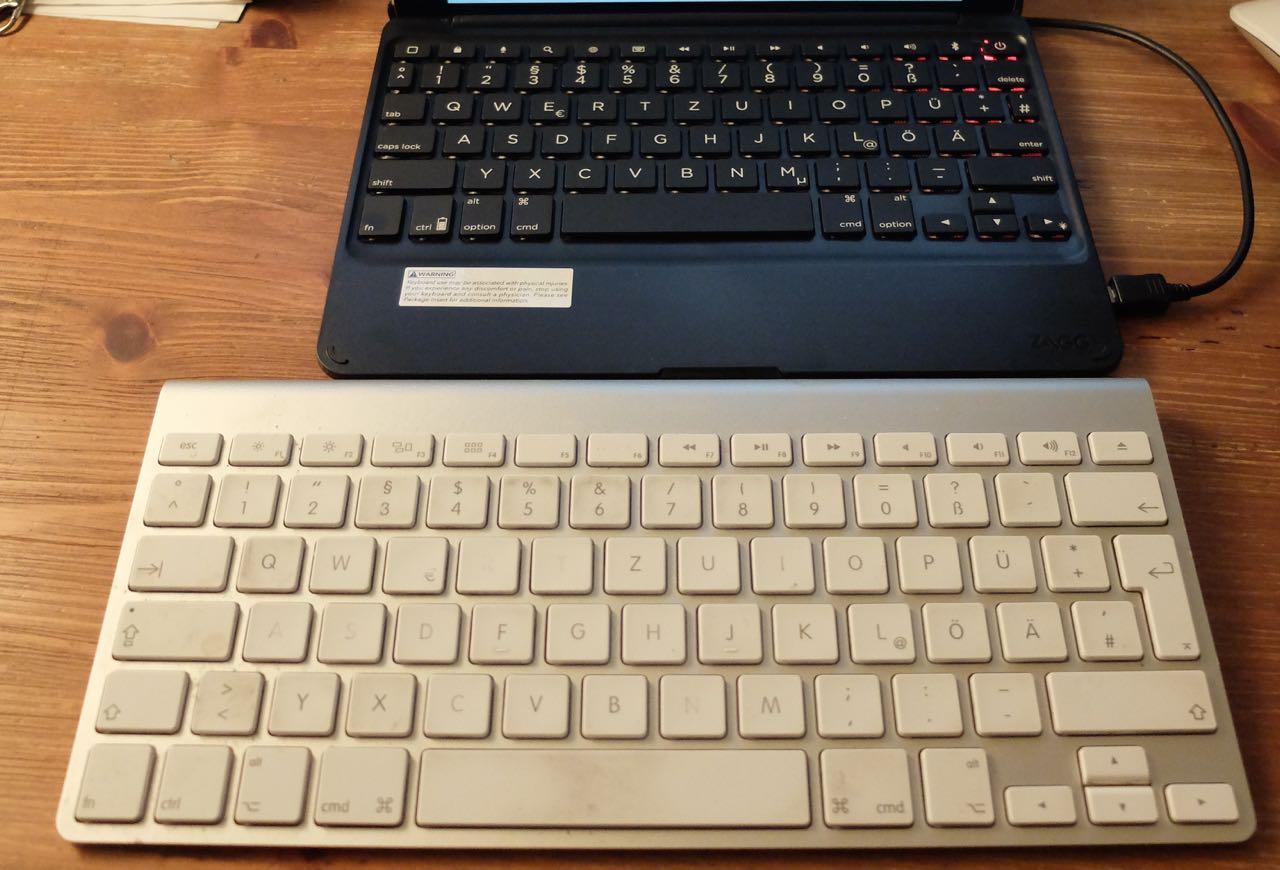 test ipad air 2 mit der zaggfolio keyboard h lle in ein. Black Bedroom Furniture Sets. Home Design Ideas