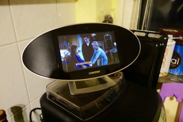 Im Testzeitraum ein echter Mehrwert: Netflix-Videos auf der Kaffeemaschine mit gutem Sound