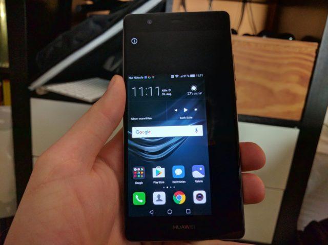 Huawei_P9_Plus_Einhand_con