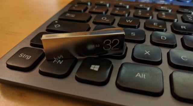 Für ein Wiederherstellungslaufwerk solltet Ihr einen 32 GB großen USB-Stick verwenden