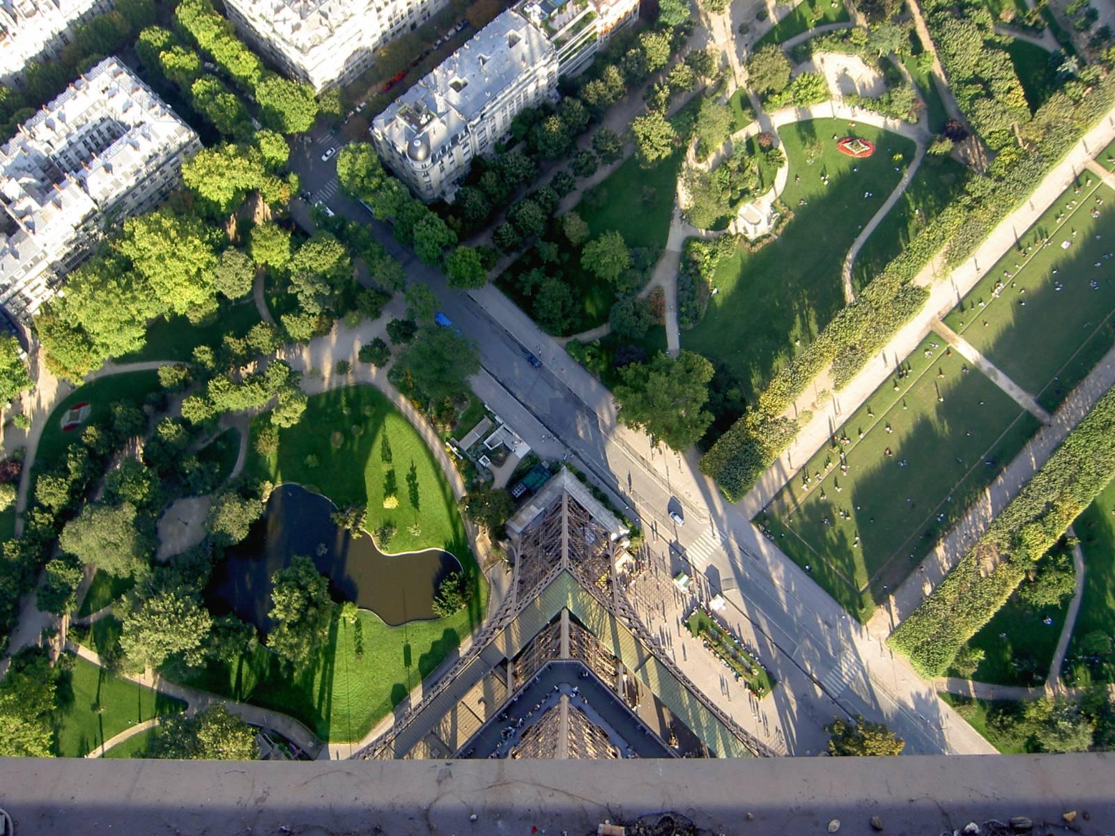 Aber genug der Arbeit: Anschließend gab es Paris, inklusive Besteigung des Eiffelturms. Hübsches Foto, oder?
