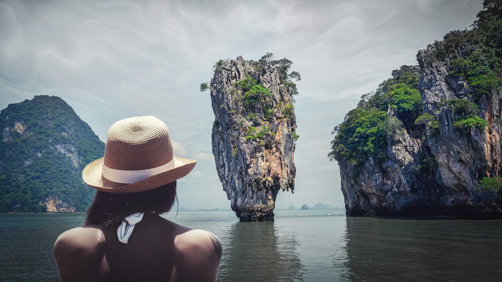 """Der ausgesprochen enttäuschende """"James-Bond-Felsen in Thailand. Hier sollte das Roaming aus bleiben."""