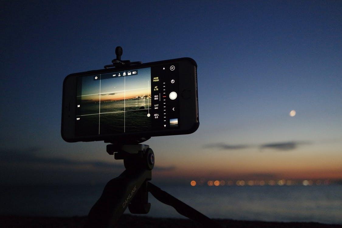 Richtig gute Fotos gelingen am Smartphone nur mit Zusatz-Ausstattung.