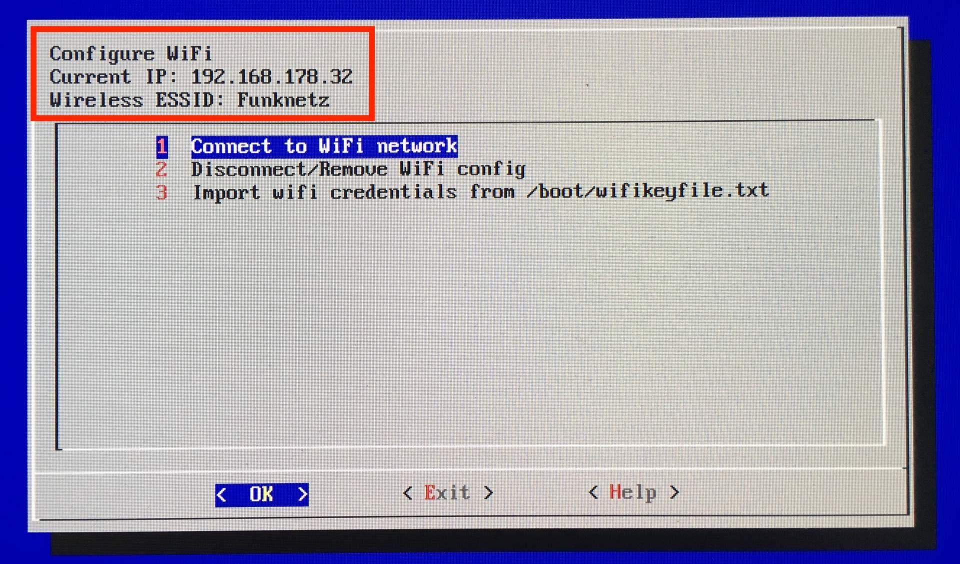 Hat die WLAN-Einrichtung von RetroPie geklappt, wird Euch das WLAN und eine IP-Adresse angezeigt.