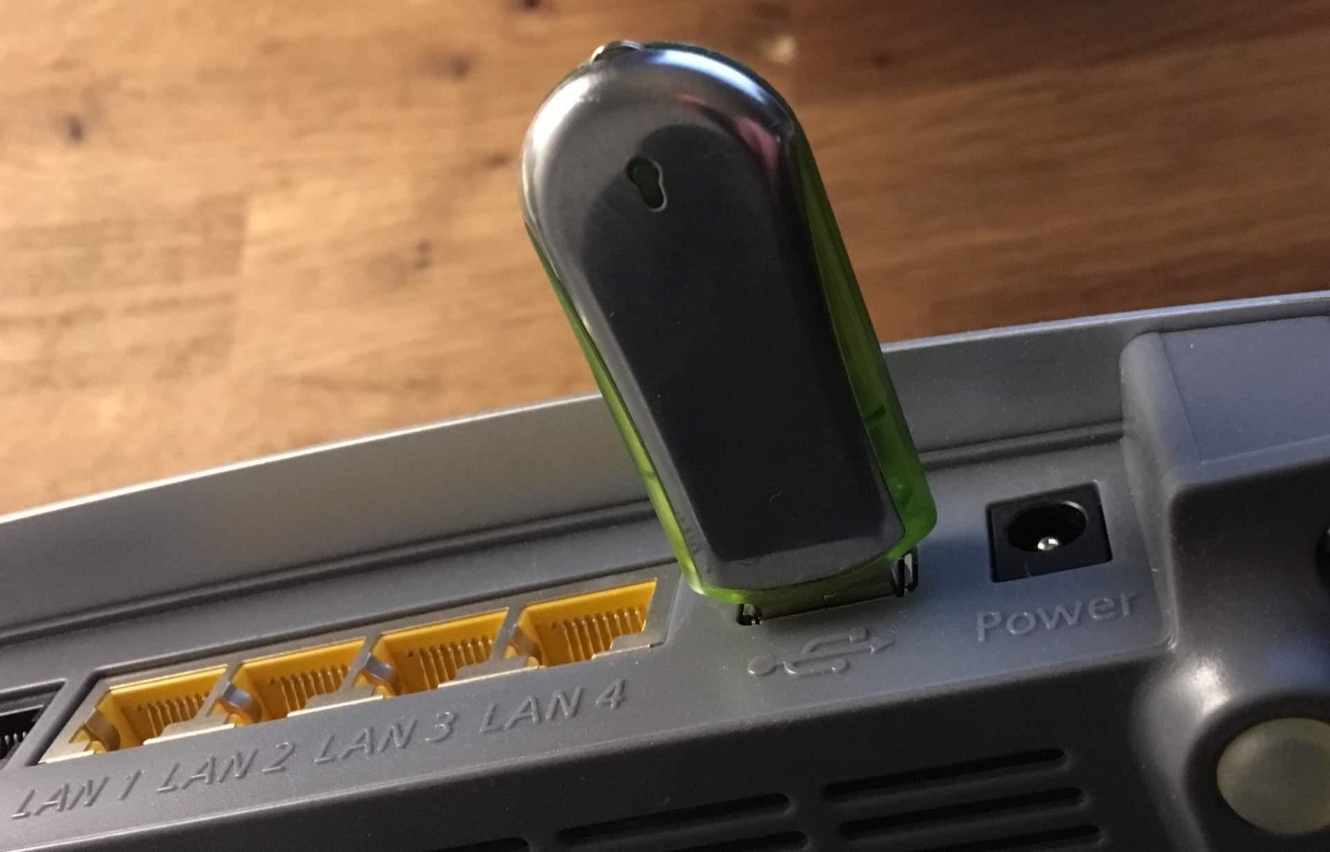 Die FritzBox ist eine vollumfängliche NAS – sobald ein USB-Stick dransteckt.