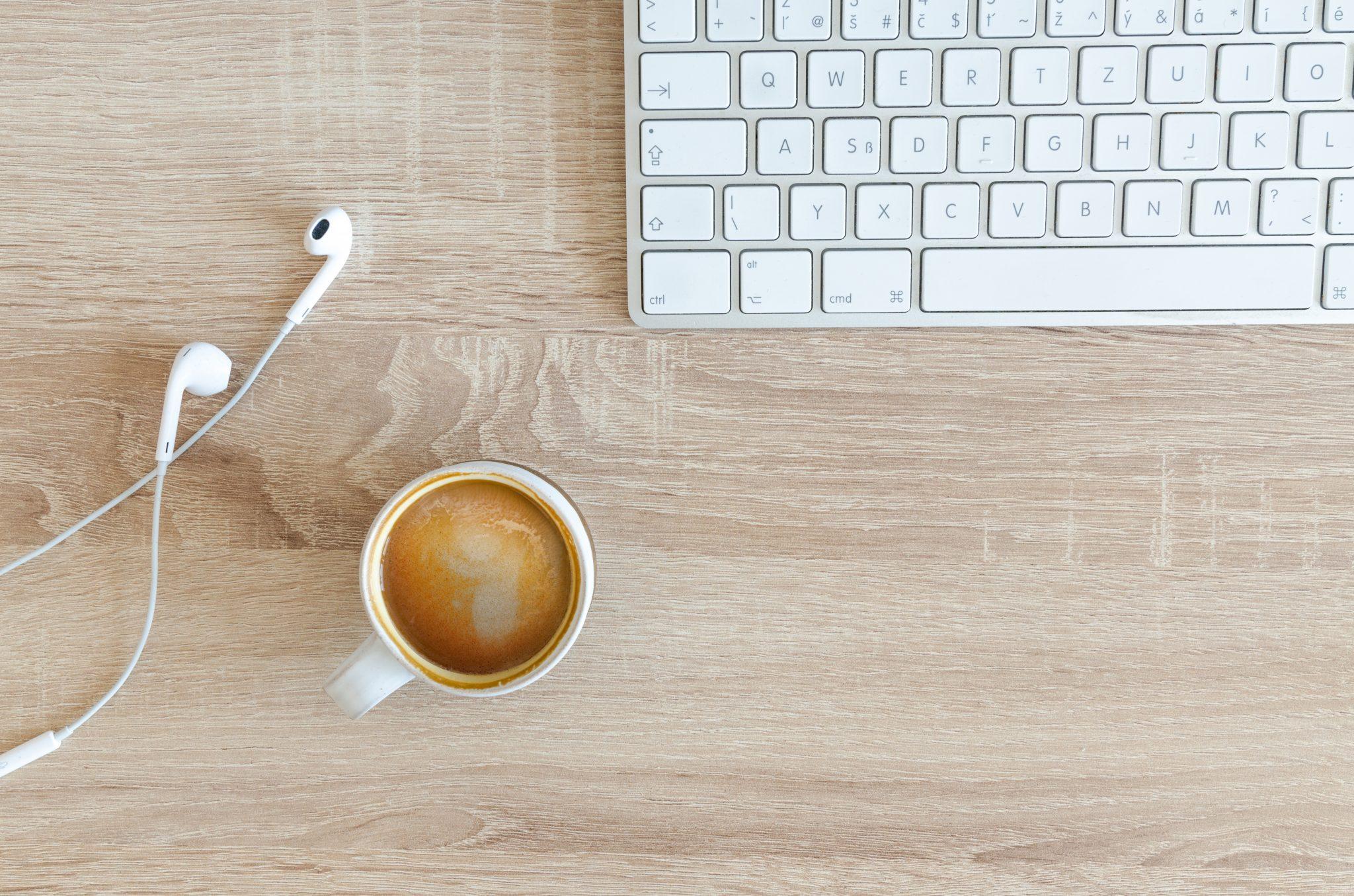 Kaffee, Kabel und Tastatur – da sind Unfälle programmiert.