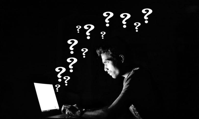 header-bild mit typ vor computer mit fragezeichen ummen kopp