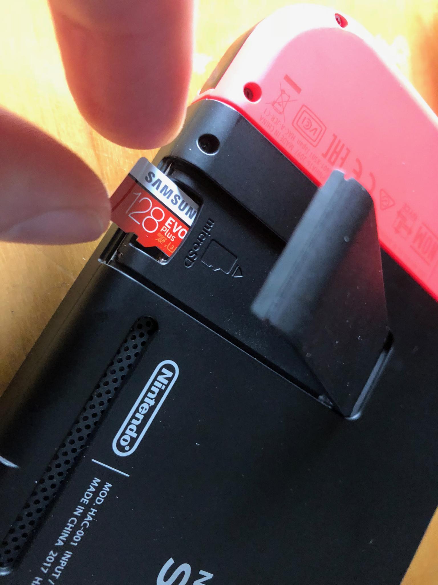 Switch Sd Karte Einlegen.Anleitung Nintendo Switch Einrichten Die Ersten Schritte Tutonaut