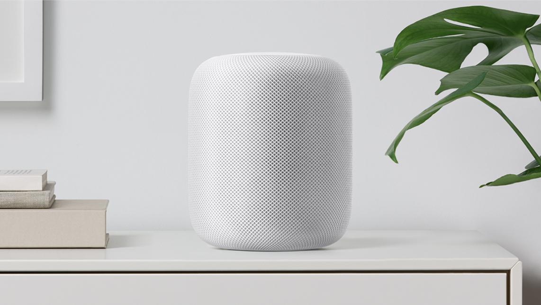 Der Apple HomePod hört zu.