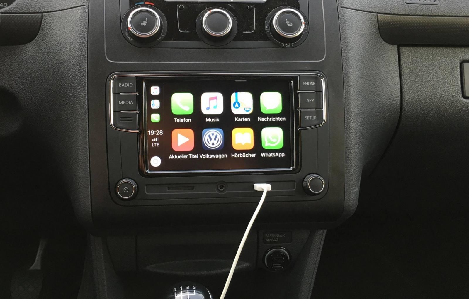 Hübsch, oder? Das RCD330 ist ein VW-Produkt, entsprechend gut passt es in meinen Caddy.