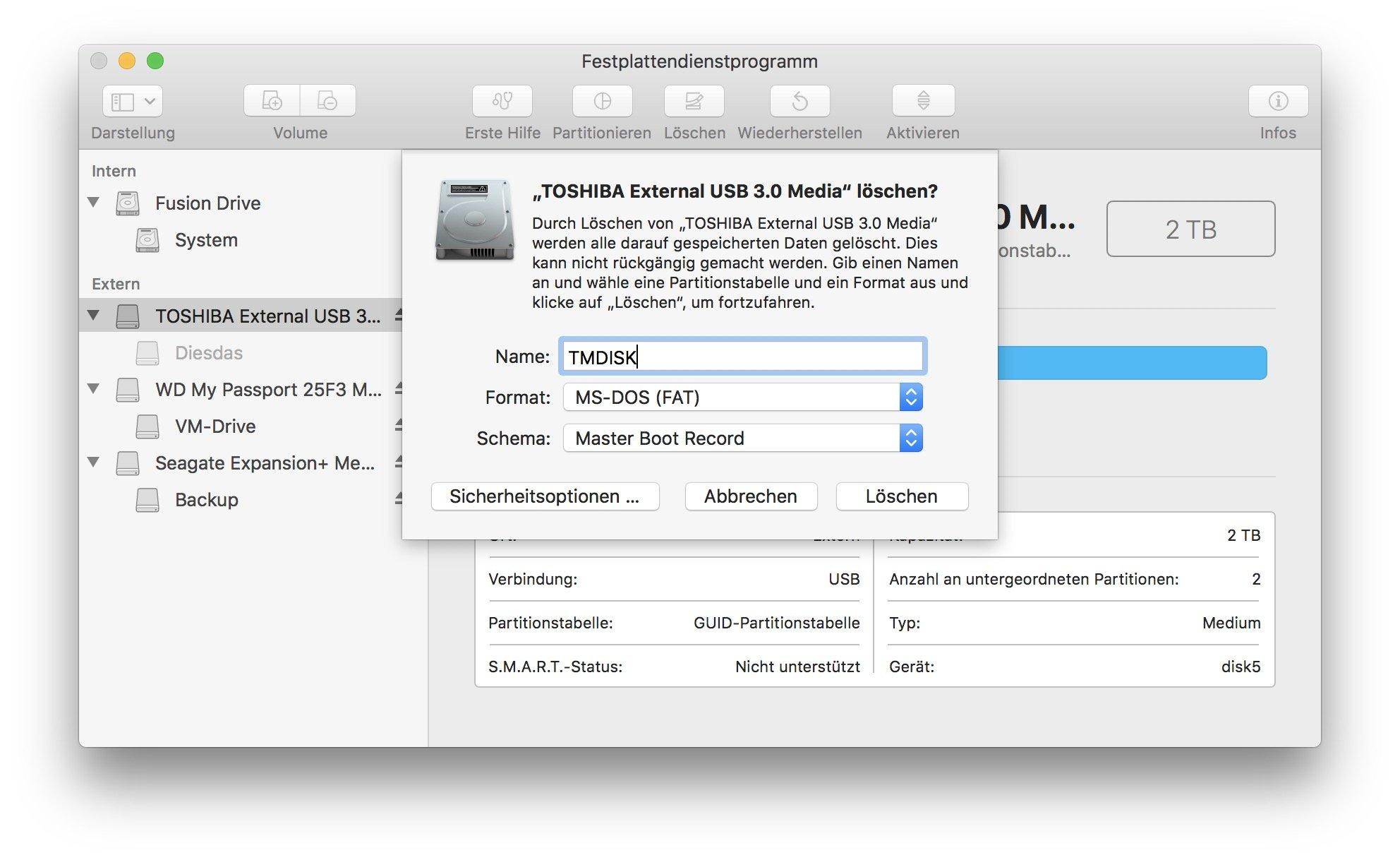 Ihr müsst die Festplatte zunächst im MS-DOS-Format formatieren.