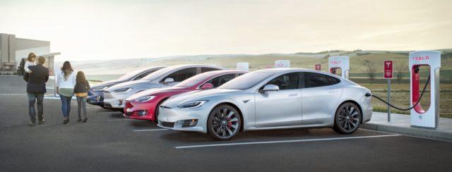 Tesla Ladestationen finden