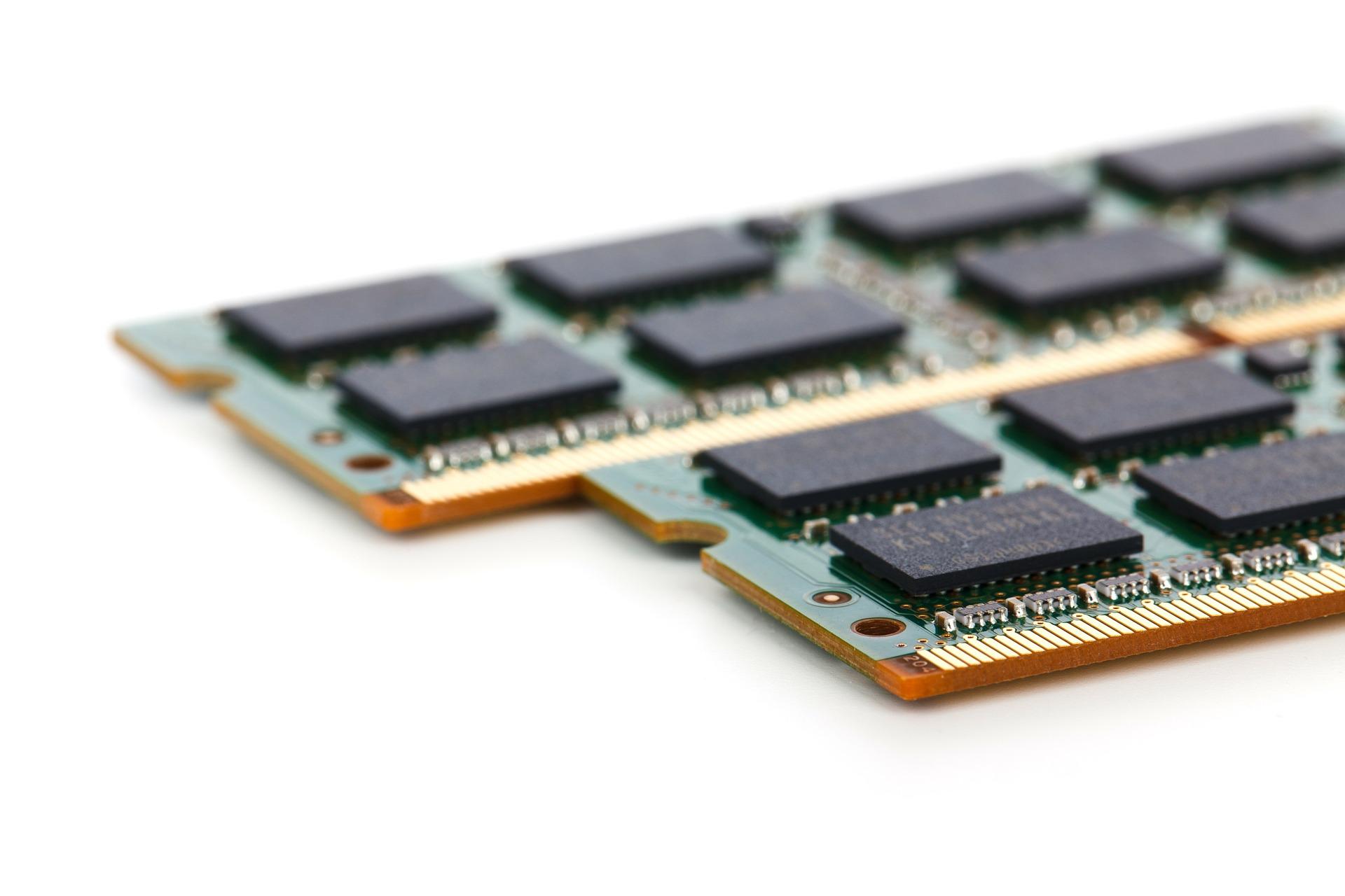 RAM kann man nie genug haben. Vor allem, wenn Virtuelle PCs ausgeführt werden sollen. (Bild: PublicDomainPictures/Pixabay)