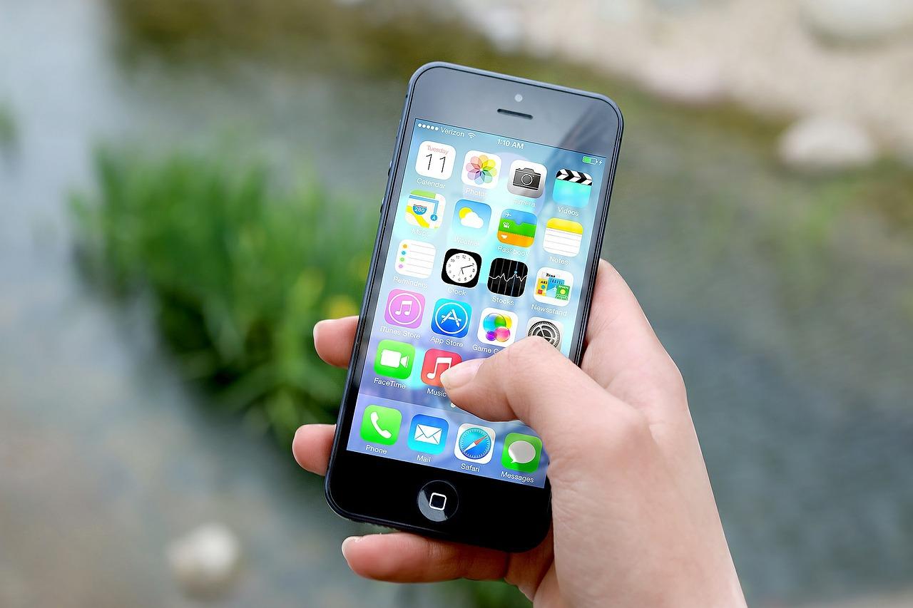 Das iPhone: Vom Edel-Smartphone zu Elektroschrott in einer halben Dekade. Das muss aufhören. (Bild: JESHOOTS-com/Pixabay)