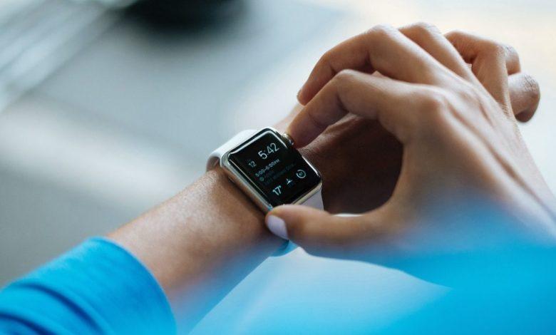 Die Smartwatch ist die neue Taschenrechner-Uhr. (Bild: Pixabay/FreePhotos)