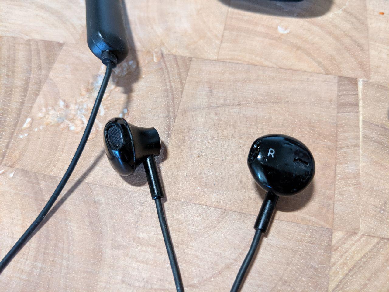 half-in-ear-kopfhörer