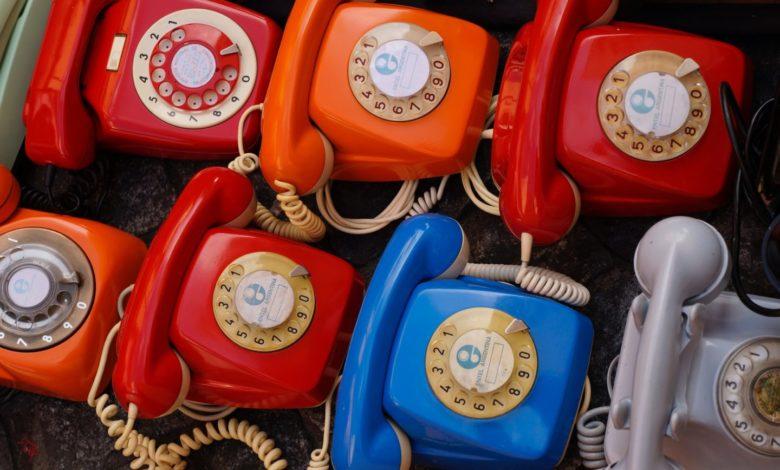 Klassische Festnetz-Telefone (Foto: Bruno Cantuária/Pexels)