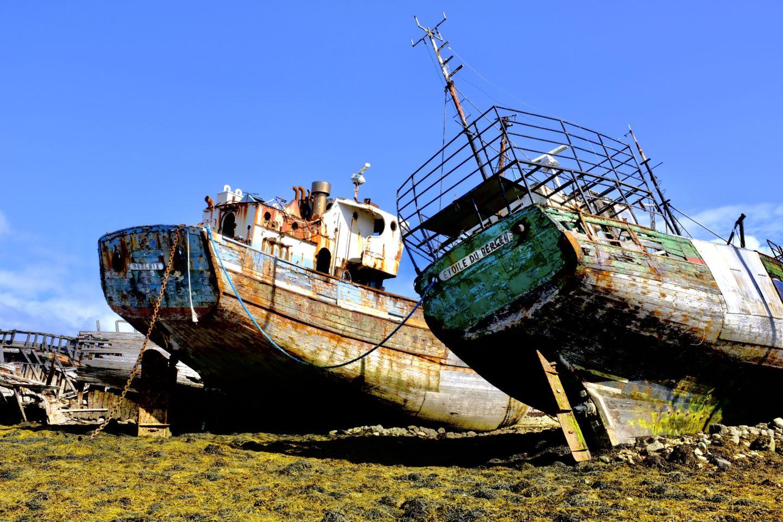 Manche Lost-Places – wie hier die Schiffe im Hafen von Camaret-sur-mer in der Bretagne – sind mehr oder weniger öffentlich zugänglich. Mit HDR wirken sie gleich noch interessanter. (Foto: C. Rentrop)