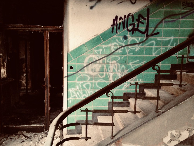 Leider schreitet der Verfall durch Vandalismus oft schnell fort. (Foto: C. Rentrop)