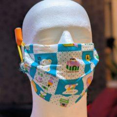 bilder zeigen schritte zum tackern einer schutzmaske