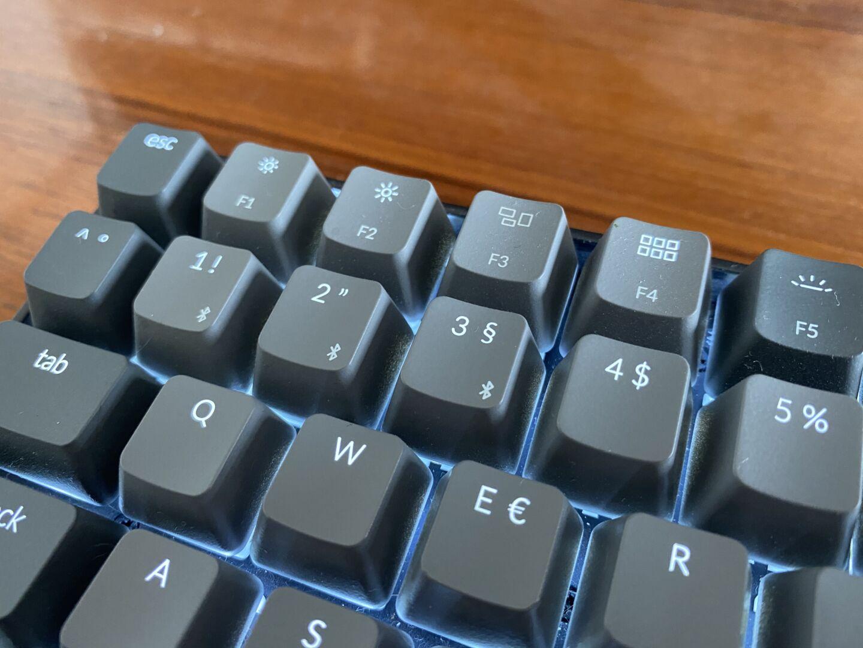Defekte Tastaturbeleuchtung auf der F3-Taste. Leider stellt sich der Keychron-Support quer (Foto: Tutonaut)
