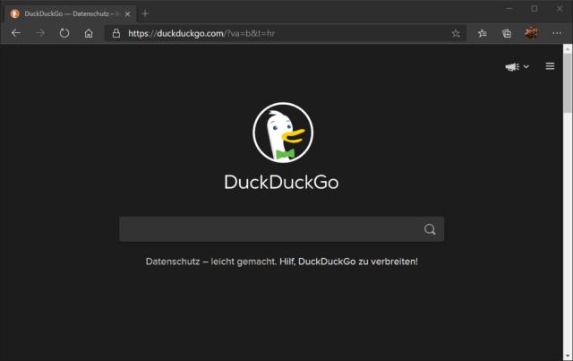 Praktisch: Ist der Darkmode am Rechner an, ist auch DuckDuckGo dunkel.