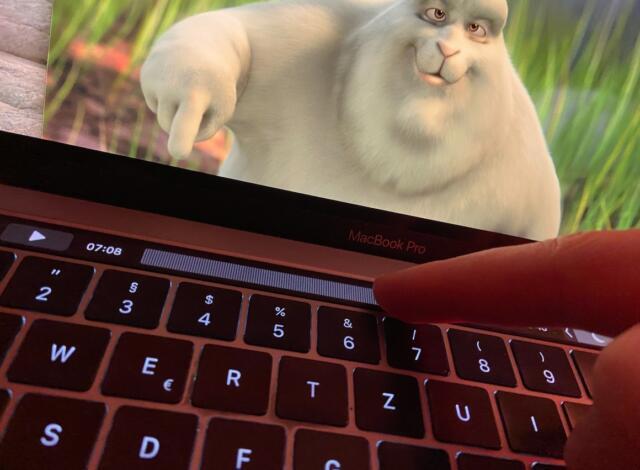 iina_Touchbar MacBook Pro