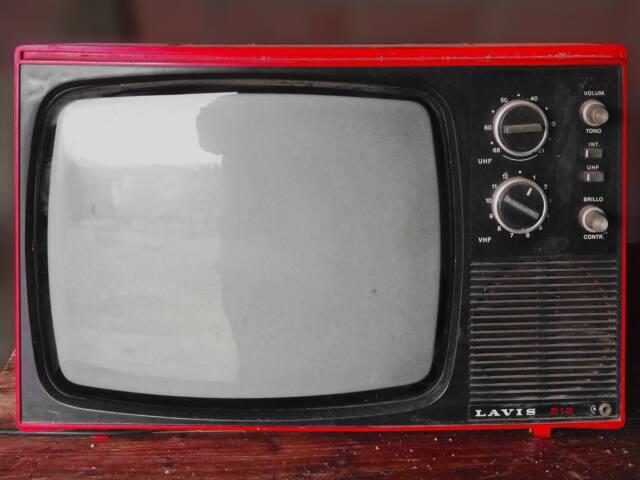 Schuld am Bildraten-Murks sind auch unterschiedliche analoge TV-Standards. (Bild: Marc Pascua/Pixabay)